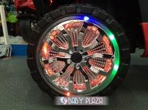 Xe-jeep-KKL-5228-cuc-ngau-cho-be